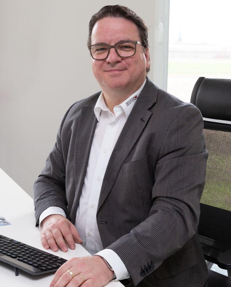Dr. Thorsten Heinze